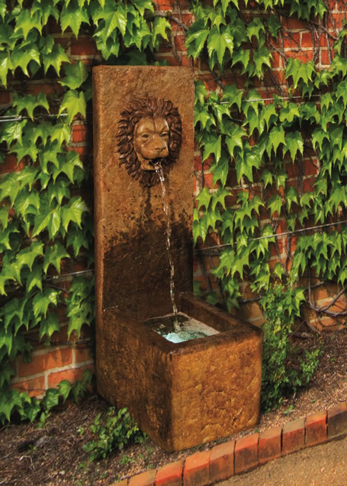 Lion Single Spout Fountain. Relic Hi-Tone